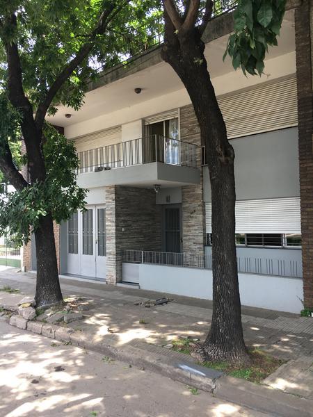 Foto Casa en Venta | Alquiler |  en  Rosario ,  Santa Fe  Bv Avellaneda al 400