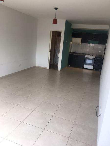 Foto Departamento en Alquiler en  Lomas de Zamora Oeste,  Lomas De Zamora  COLOMBRES al 1300