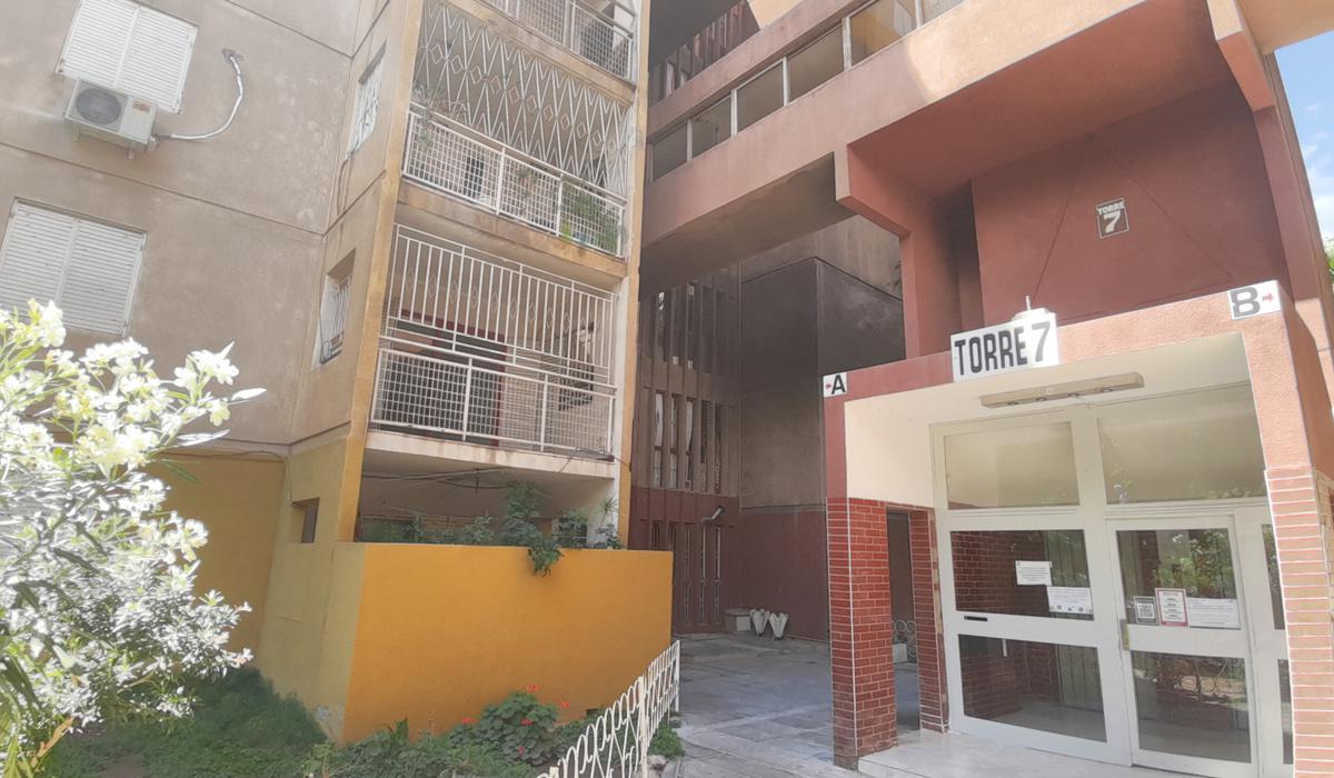 "Foto Departamento en Alquiler en  Capital ,  San Juan  Bº San Martín - Monoblock 7A - 1º Piso ""B"""