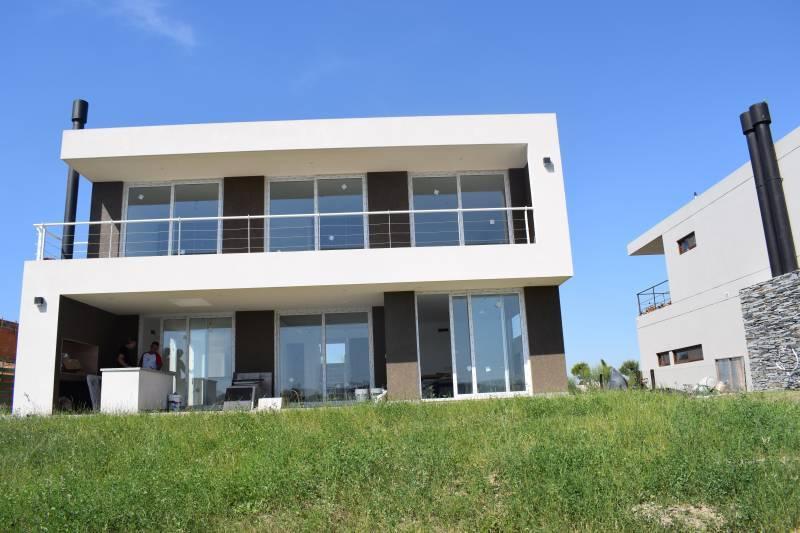 Foto Casa en Venta    en  Las Tipas,  Nordelta  Sarmiento  3800