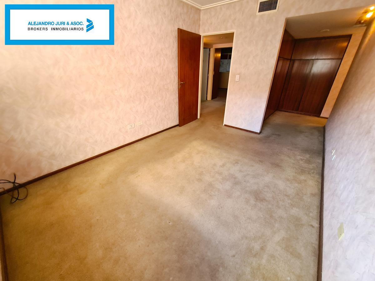 Foto Departamento en Venta en  Centro,  Rosario  Piso Exclusivo Amplísimo 3 Dormitorios Excelente Ubicación - Presidente Roca 262