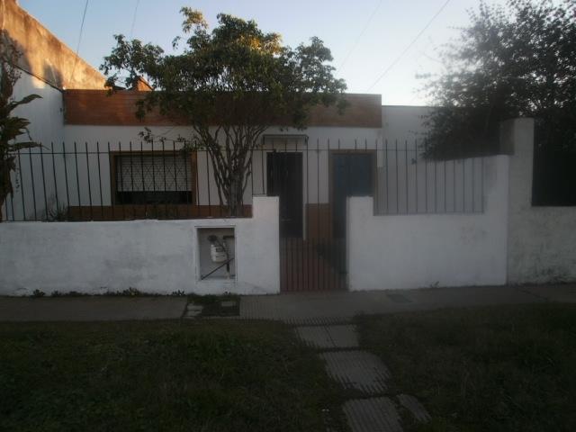 Foto Casa en Venta en  Lanús ,  G.B.A. Zona Sur  Emilio Castro al 3300