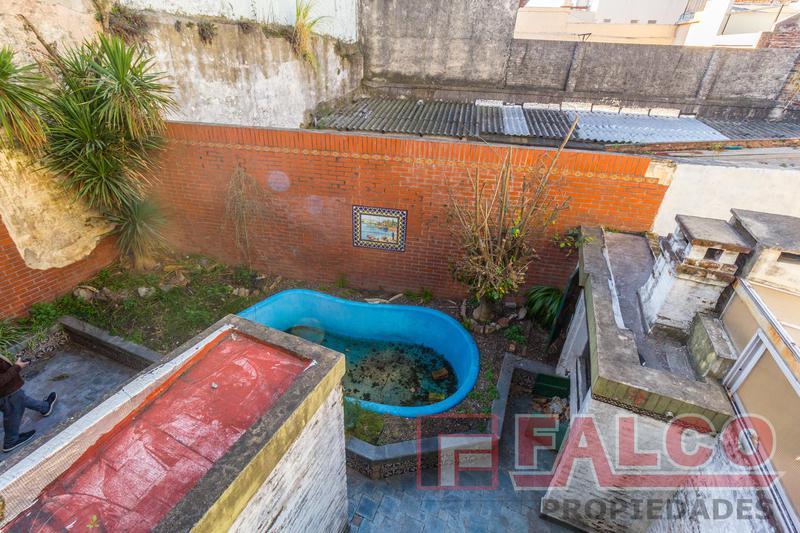Foto PH en Venta en  Parque Avellaneda ,  Capital Federal  Martinez Castro al 1300