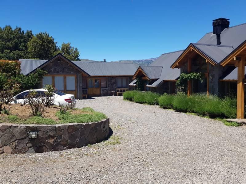 Foto Casa en Venta en  San Martin De Los Andes,  Lacar  Chapelco golf al 100