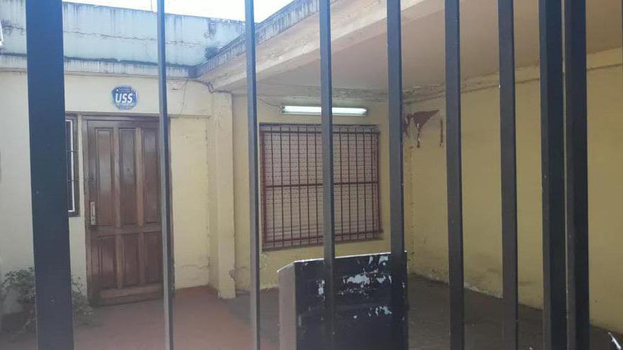 Foto PH en Venta en  Villa General Eugenio Necochea,  General San Martin  italia al 8400/PH entr.independiente/José león Suarez
