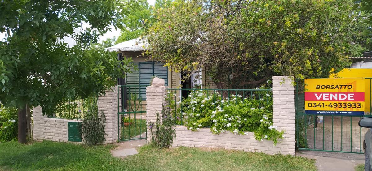 Foto Casa en Venta en  Funes ,  Santa Fe  Pedro Lino Funes al 1700