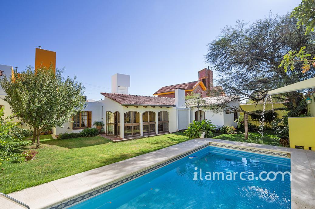 Foto Casa en Venta en  Marq.De Sobremonte,  Cordoba  céliz de quiroga al 400