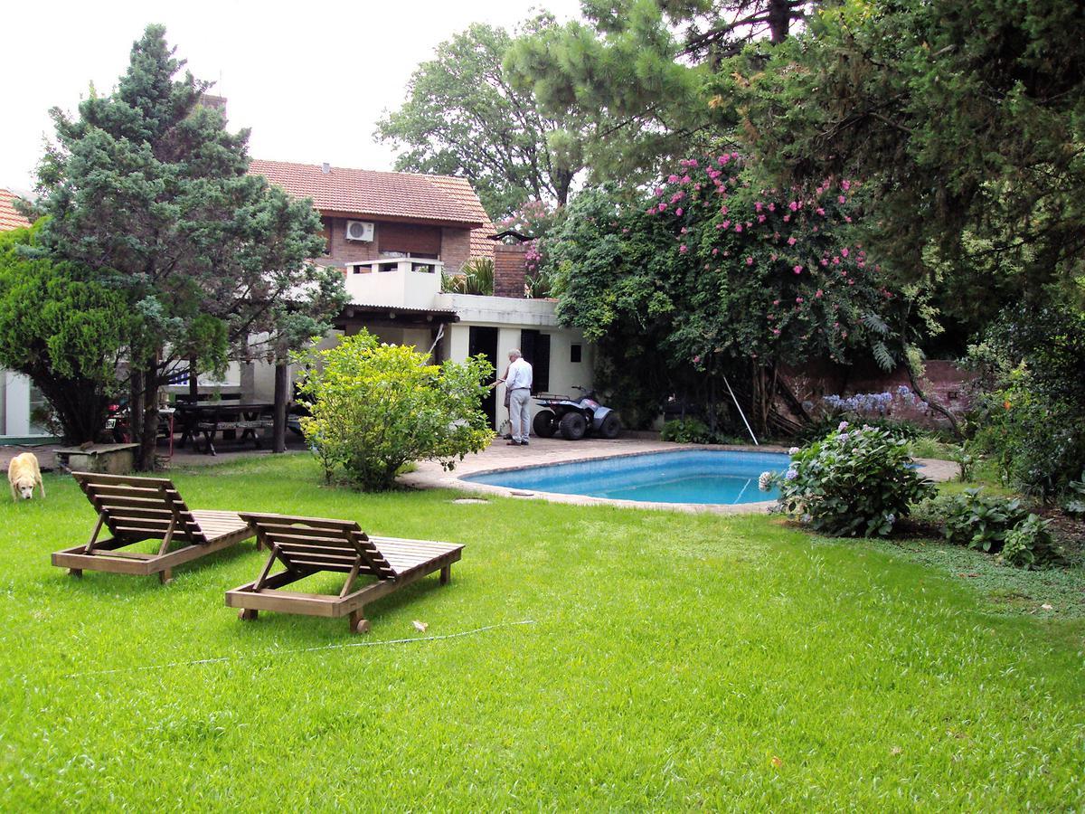Foto Casa en Alquiler temporario en  Las Lomas-Jockey,  Las Lomas de San Isidro  Maestro F. Silva al 600
