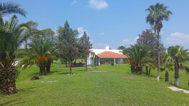 Foto Quinta en Venta |  en  Congregacion La Bocana,  Etchojoa  ESPECTACULAR QUINTA, RODEADA DE ARBOLES Y HERMOSA VEGETACIÓN (VSC)