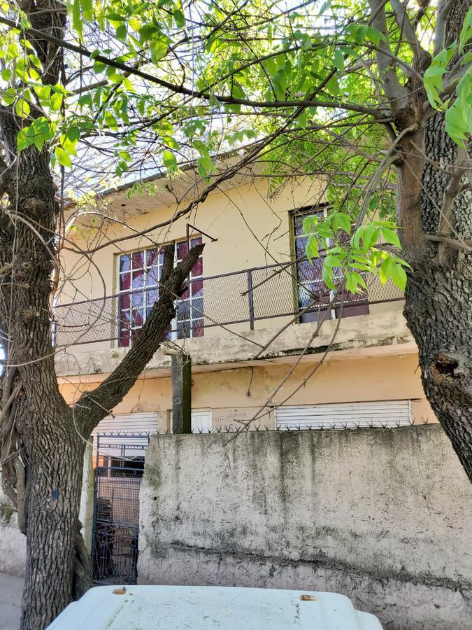 Foto Casa en Venta en  Merlo ,  G.B.A. Zona Oeste  Madariaga al 400