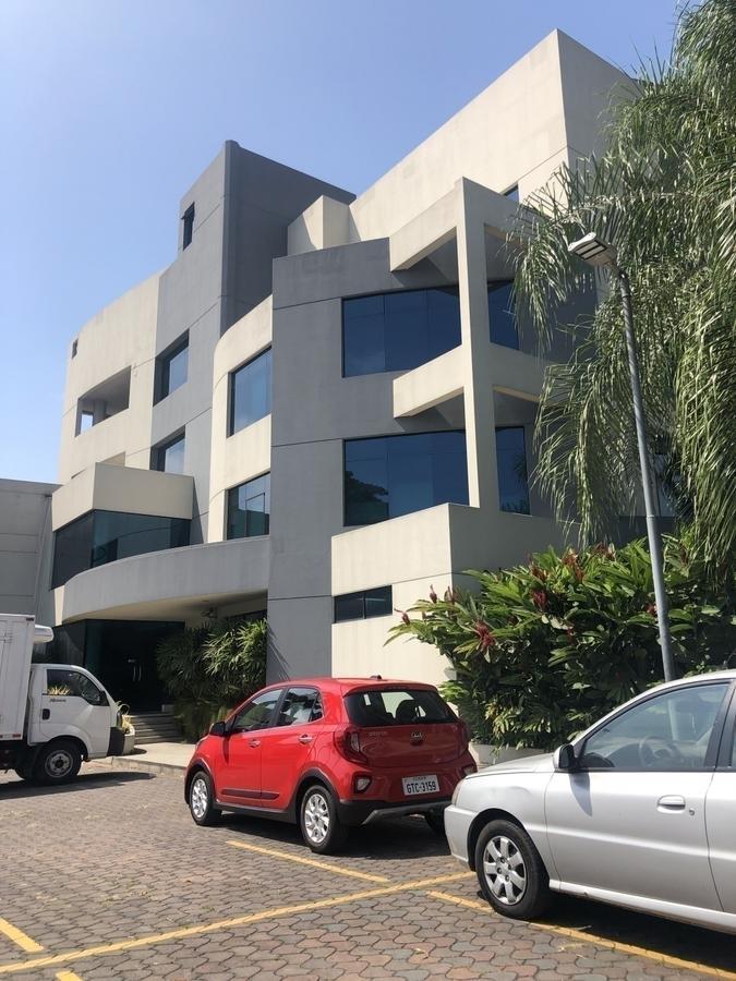 Foto Edificio Comercial en Alquiler en  Norte de Guayaquil,  Guayaquil  Kennedy Norte se alquila edificio de oficinas comerciales y bodega
