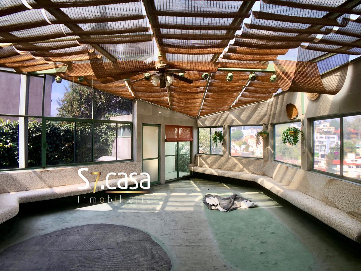 Foto Casa en Venta en  Bosque de las Lomas,  Miguel Hidalgo  Casa en Bosques de las Lomas, tipo duplex con entradas independientes, con vistas verdes a la cañada.