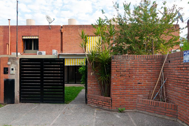 Foto Casa en Venta en  San Miguel De Tucumán,  Capital  Belisario Roldan al 200