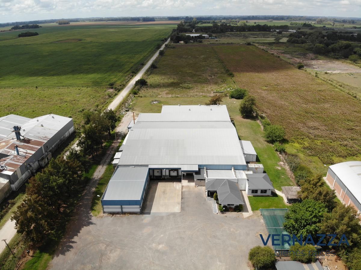 Foto Nave Industrial en Venta en  Zarate ,  G.B.A. Zona Norte  Planta Industrial con depósitos frigoríficos. Zárate. PBA