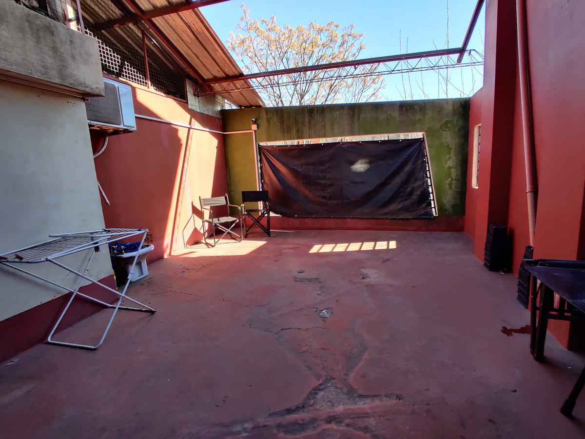 Foto PH en Venta en  Villa Saenz Peña,  Tres De Febrero  Roberto Lage 410