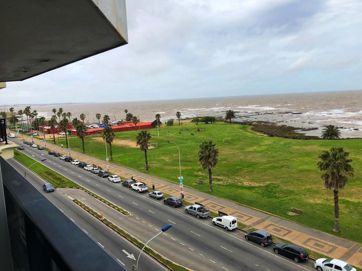 Foto Apartamento en Alquiler en  Punta Carretas ,  Montevideo          Rambla Gandhi al 300