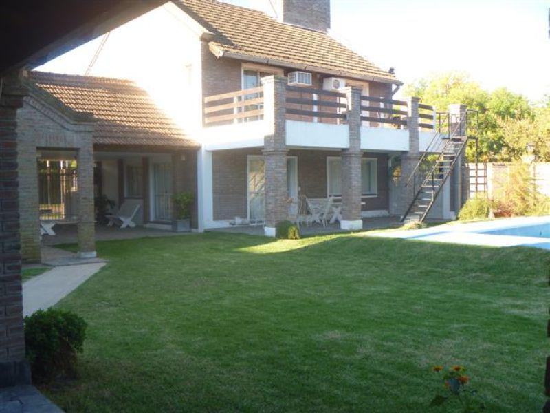 Foto Casa en Alquiler en  Centro,  Funes  Sarmiento al 600