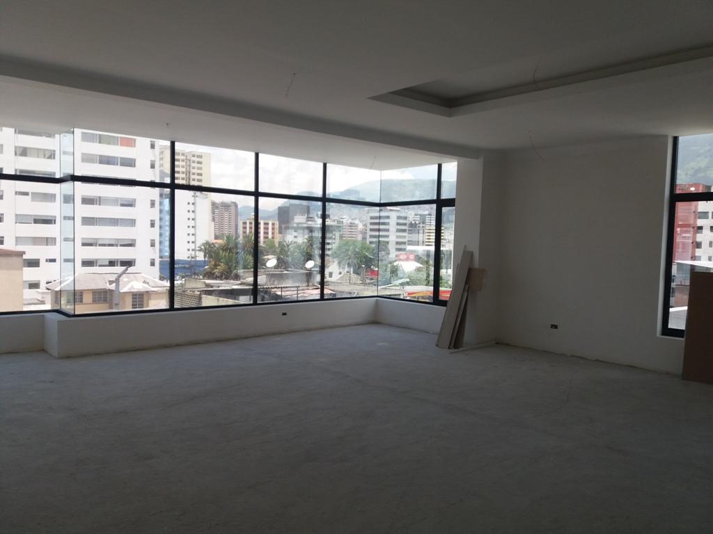 Foto Edificio Comercial en Venta en  Centro Norte,  Quito  La Paz, Edificio de 12 pisos, para uso residencial o de oficinas