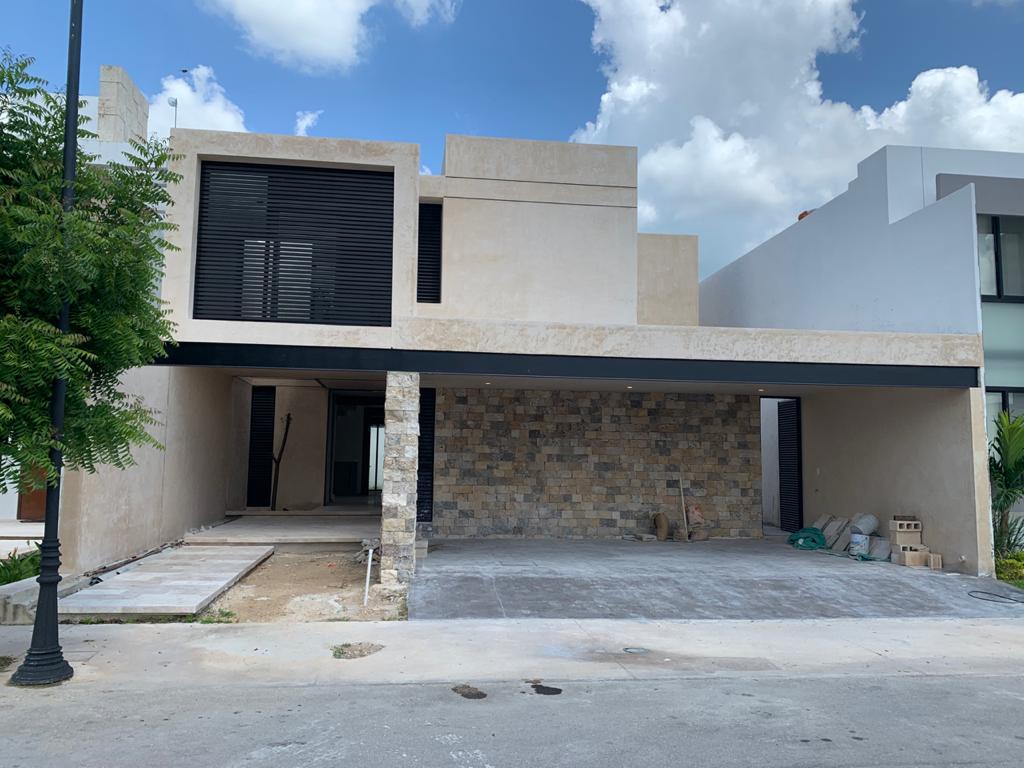 Foto Casa en Venta en  Temozon Norte,  Mérida  Hermosa residencia nueva en privada en Temozon norte