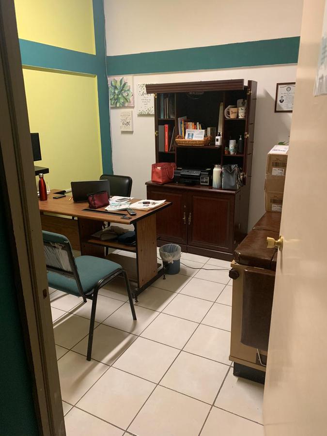 Foto Oficina en Renta en  Leones Universidad,  Chihuahua  RENTA DE CONSULTORIOS A UNA CUADRA DE AV. UNIVERSIDAD