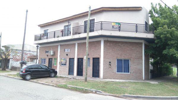 Foto Departamento en Alquiler en  Ezeiza ,  G.B.A. Zona Sur  CASEROS 1088 EZEIZA