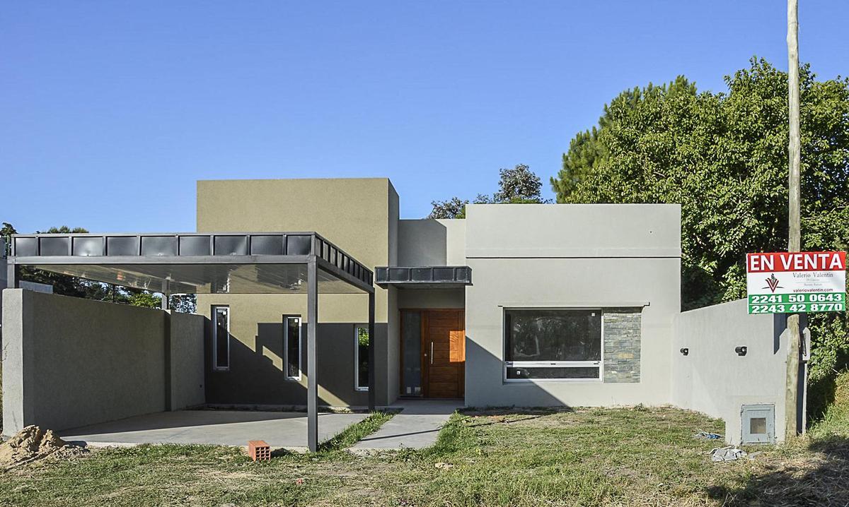 Foto Casa en Venta en  General Belgrano,  General Belgrano  Calle Alvear (120) entre 55 y 57 al 100