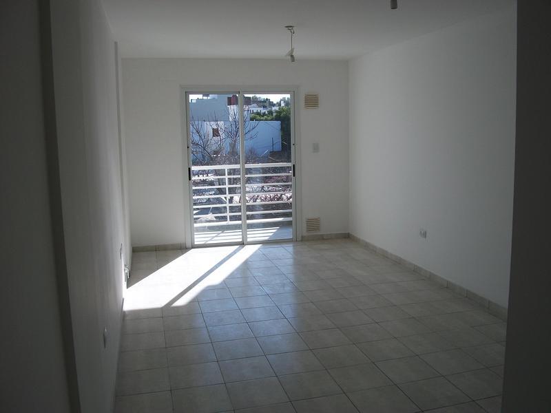 Foto Departamento en Alquiler en  Ducasse,  Cordoba  ** DUCASSE 1033 ** 1 DORM   BALCÓN ** A METROS DE AV CASTRO BARROS*