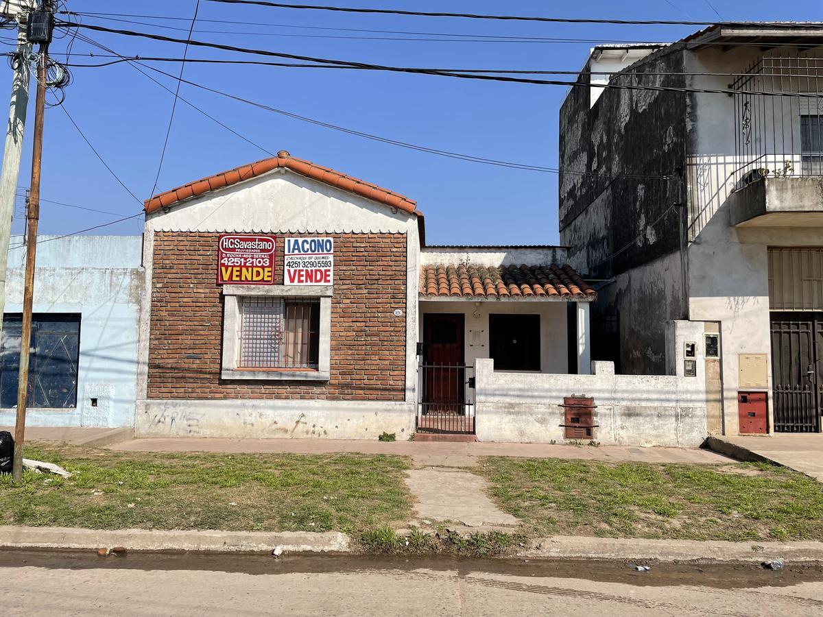 Foto Casa en Venta en  Quilmes Oeste,  Quilmes  Falucho 926 entre Av. Montevideo y Misiones