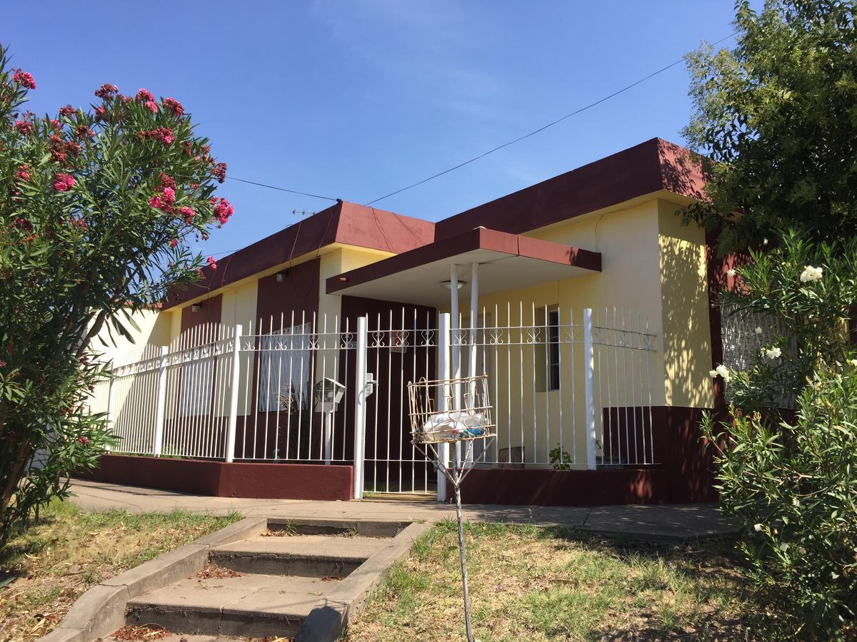 Foto Casa en Venta en  El Palomar,  Moron  Sargento Cabral  al 1400