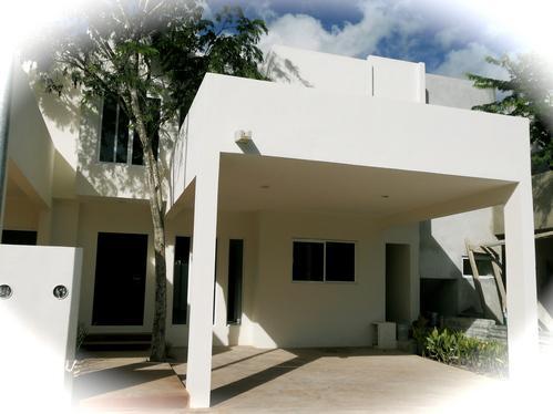Foto Casa en condominio en Venta en  Cancún Centro,  Cancún  PALMARIS HERMOSA CASA NUEVA EN VENTA