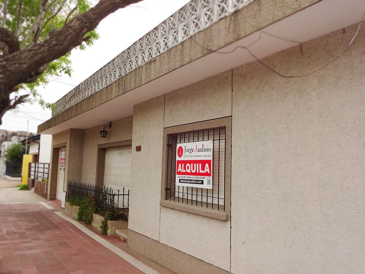Foto Casa en Alquiler en  Centro,  General Pico  Calle 1 e/ 24 y 26