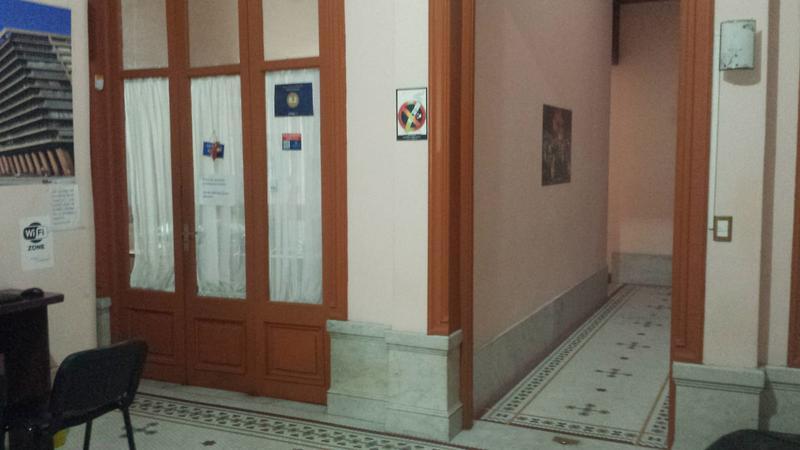 Foto Edificio Comercial en Venta en  Ciudad Vieja ,  Montevideo  Edificio más Llave Negocio - Juan Carlos Gomez y 25 de Mayo