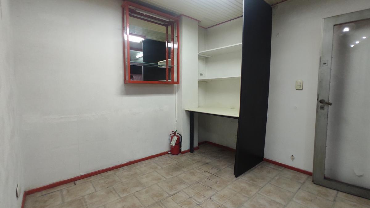 Foto Local en Alquiler en  Retiro,  Centro (Capital Federal)  Cordoba al 500