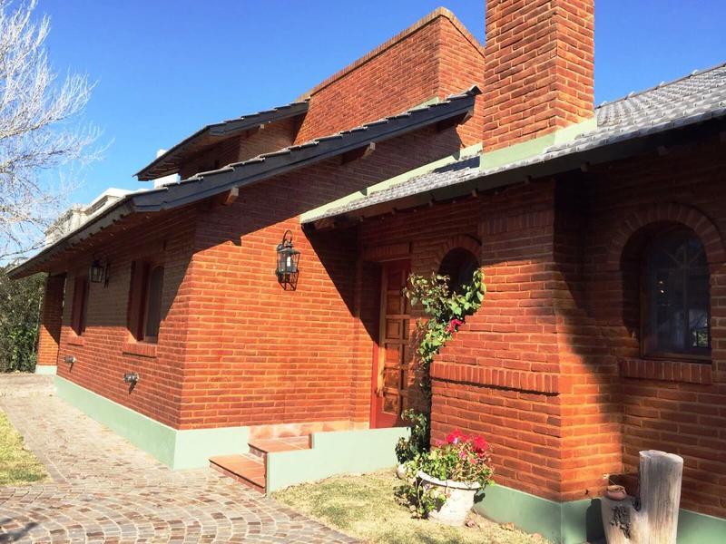 Foto Casa en Venta en  Banco Provincia De Bs. As.,  Countries/B.Cerrado (Moreno)  Almafuerte al 3900, Barrio Banco Provincia