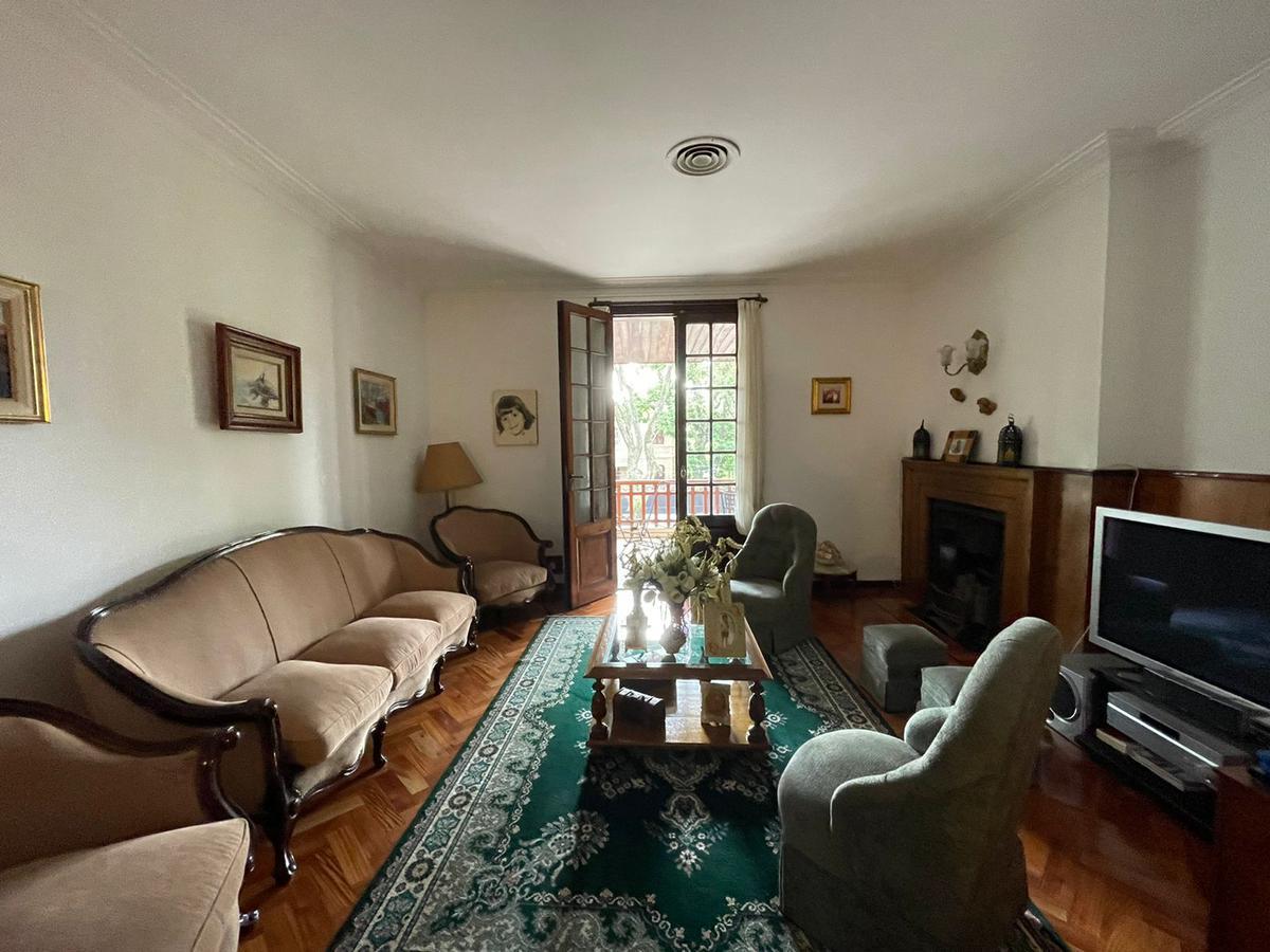 Foto Casa en Venta en  Olivos,  Vicente López  Corrientes al 1000