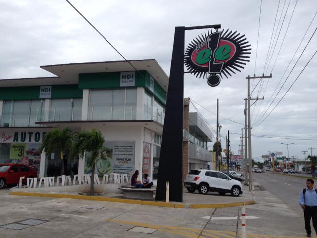 Foto Local en Renta en  Ejido Primero de Mayo Sur,  Boca del Río  LOCAL COMERCIAL en RENTA de 43.5 m2 frente a SAMS