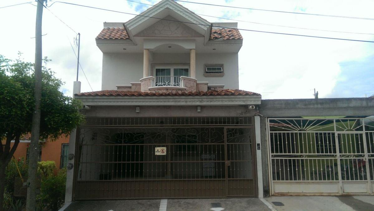 Foto Casa en Venta en  Culiacán ,  Sinaloa  FRACCIONAMIENTO VILLA FONTANA