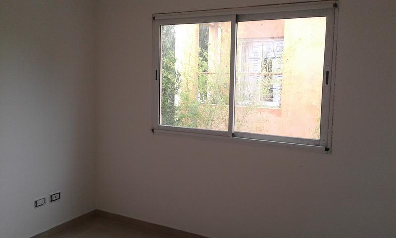 Foto Departamento en Alquiler en  Ituzaingó,  Ituzaingó  Medina al 1400
