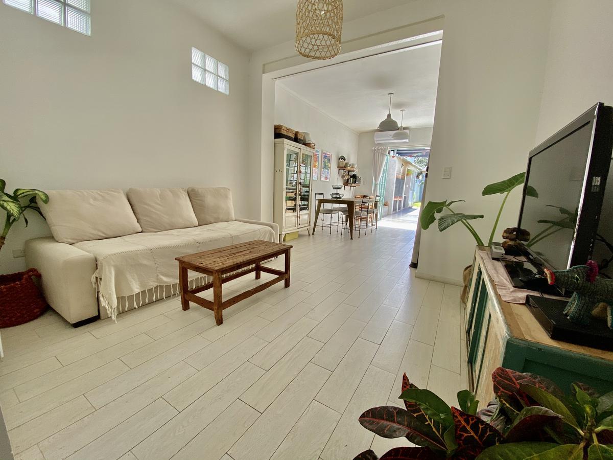 Foto Casa en Venta en  Olivos,  Vicente Lopez  Juan Bautista  justo 3400