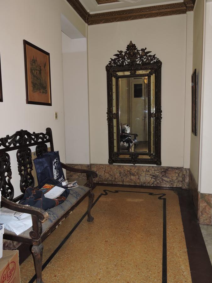Foto Apartamento en Venta    en  Centro (Montevideo),  Montevideo  Apartamento de estilo - 4 dormitorios - 18 y Julio Herrera y Obes