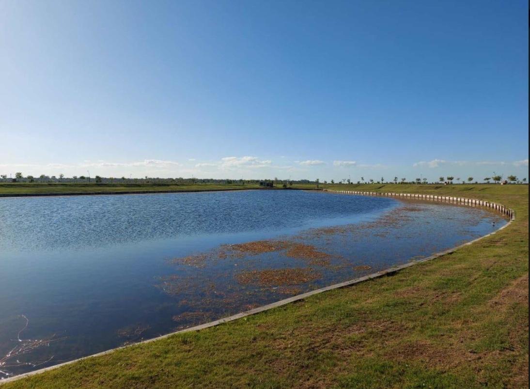 Foto Terreno en Venta en  Puertos del Lago,  Countries/B.Cerrado (Escobar)  Espectacular lote a la laguna!!!