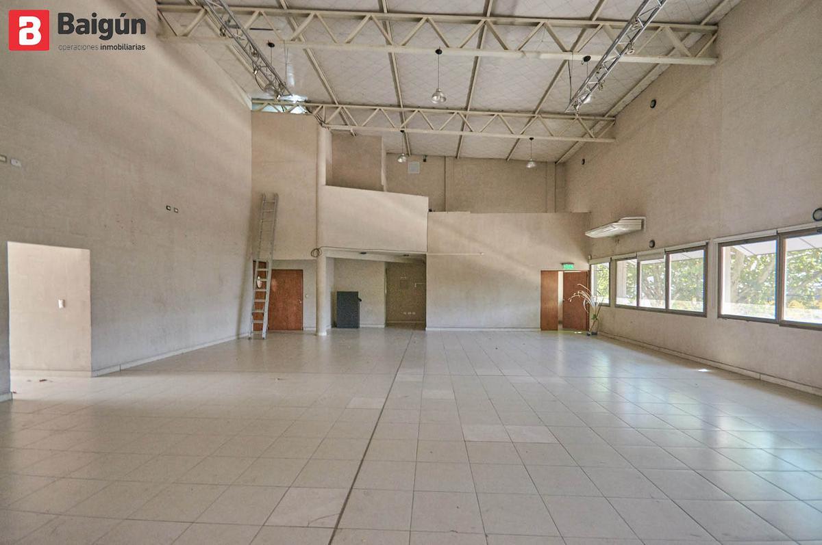 Foto Local en Alquiler en  Villa Crespo ,  Capital Federal  Av. San Martín al 2200