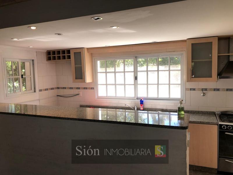Foto Casa en Venta en  Echeverria Del Lago,  Countries/B.Cerrado  Boulevard Dupuy 6001 ECHEVERRIA DEL LAGO