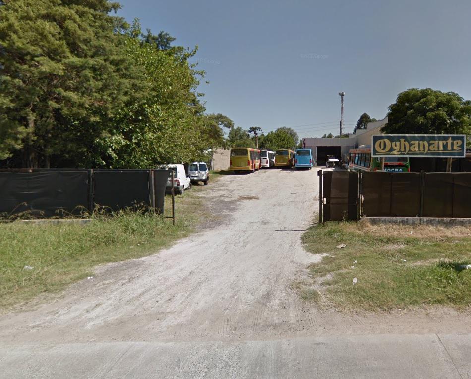 Foto Galpón en Alquiler en  Moreno ,  G.B.A. Zona Oeste  Acceso Oeste Colectora Sur km39 entre Olavarria y Larrralde