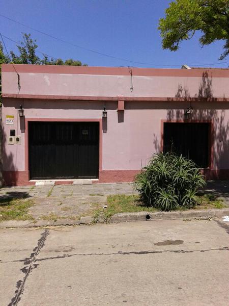 Foto Casa en Venta en  Monte Grande,  Esteban Echeverria  Alberdi al 400