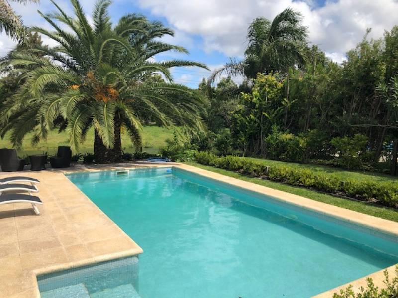 Foto Casa en Venta en  Barrancas del Lago,  Nordelta  Avenida Los Lagos al 100