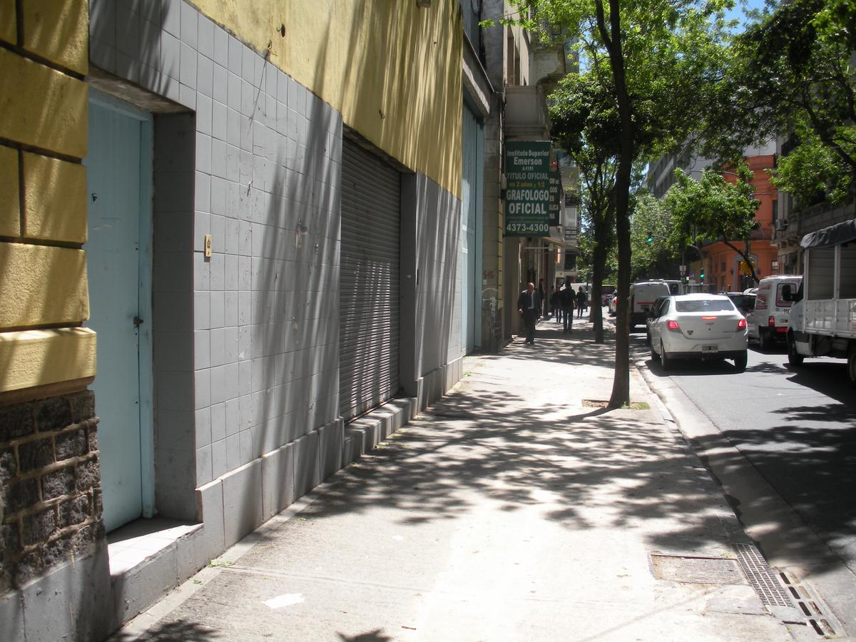 Foto Depósito en Alquiler en  Balvanera ,  Capital Federal  Ayacucho y Lavalle