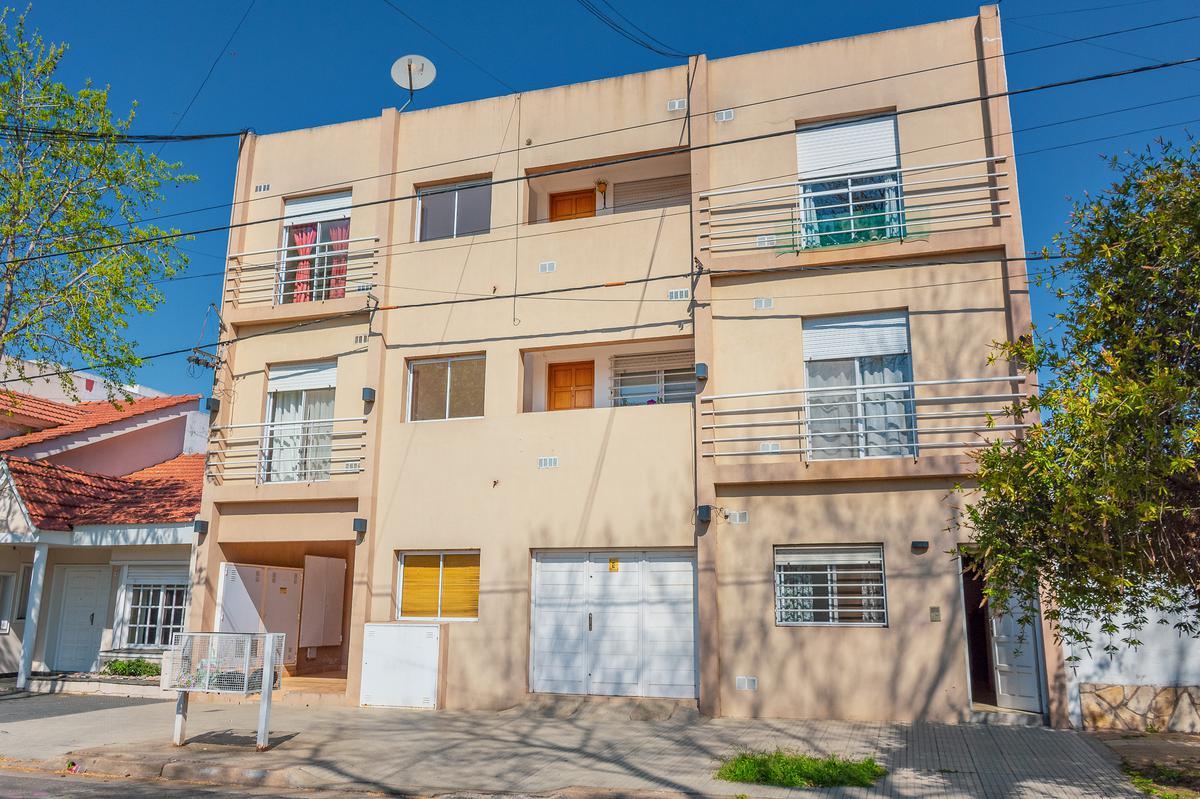 Foto Departamento en Venta en  Junin ,  Interior Buenos Aires  Chacabuco N° 61