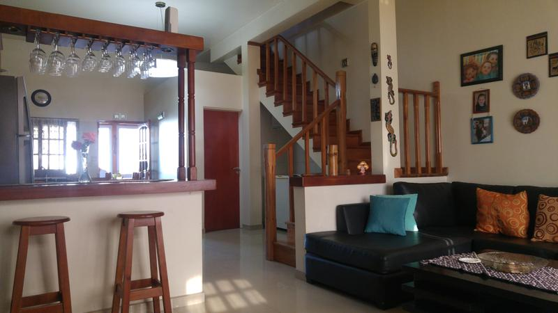 Foto Casa en Venta en  Moron Sur,  Moron  Los Olivos al 1200