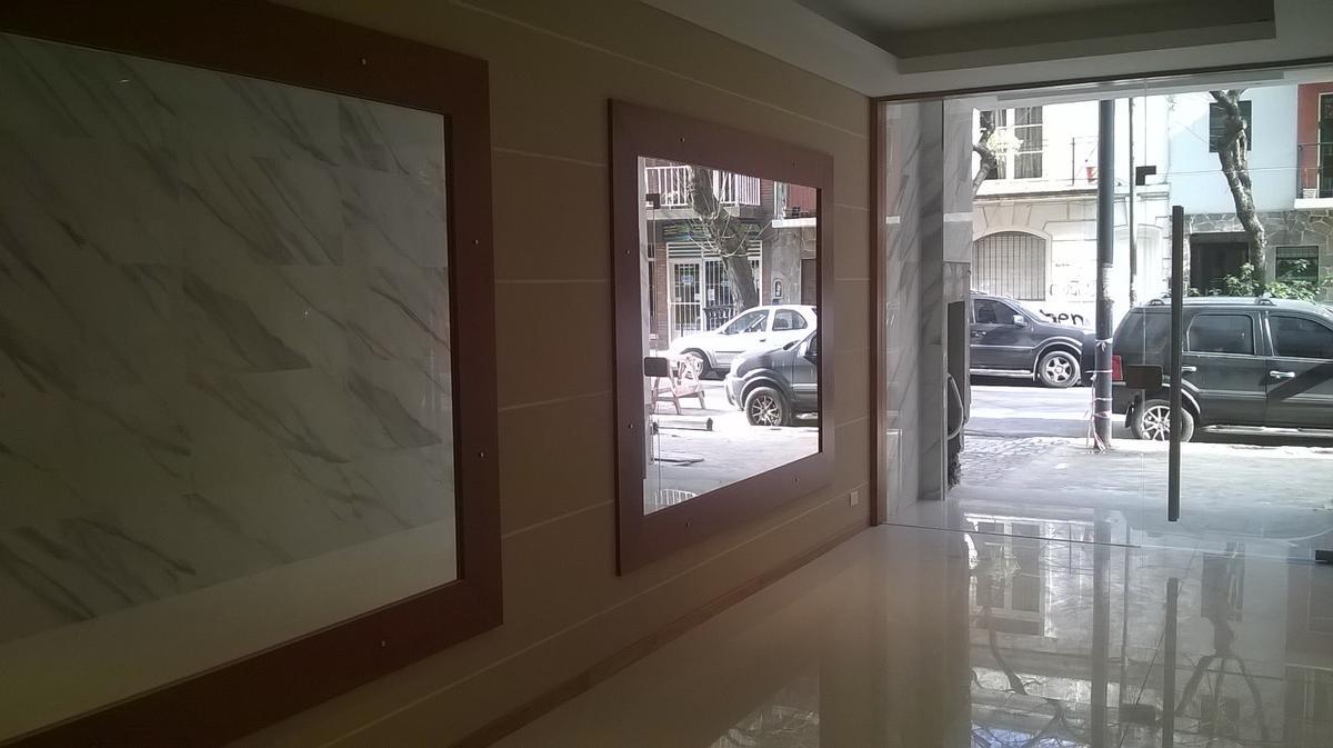 Foto Departamento en Alquiler en  Nuñez ,  Capital Federal  Como nuevo solo 4 años de  uso!!!!!  (opcion incluye  frigobar y mesa con 2 sillas) Monoamb 1er Piso con Patio! - Amenabar 3300!